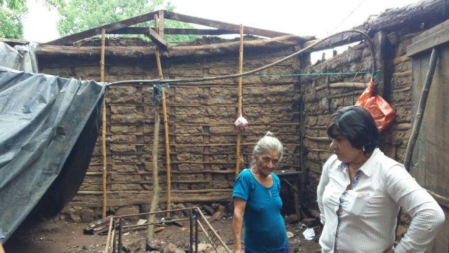 Sismo destruye vivienda en Ahuachapán y provoca derrumbe en carretera Jayaque