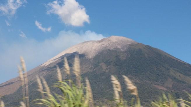 Búsqueda de 2 alemanes extraviados en el Volcan de San Miguel