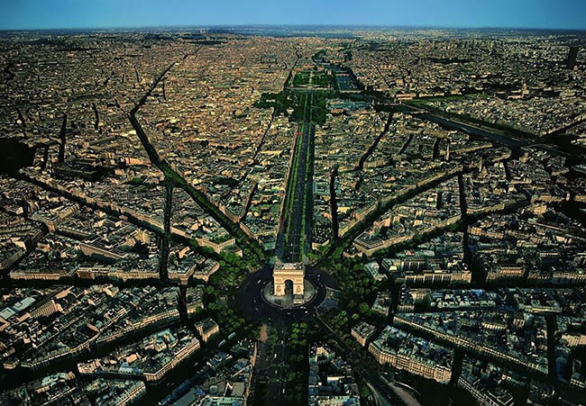 Stunning aerial photo of Paris in France