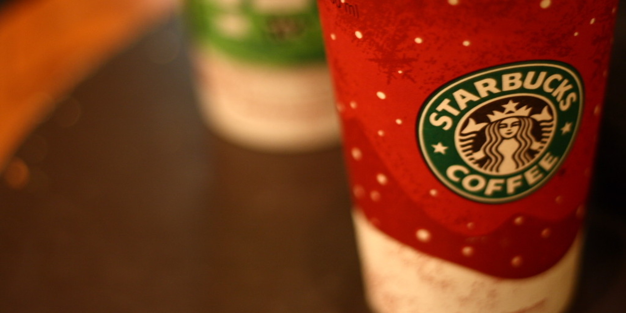 Starbucks\' Red Cups Cause Controversy