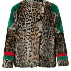 Look del día:  Animal print coat, Red and Green