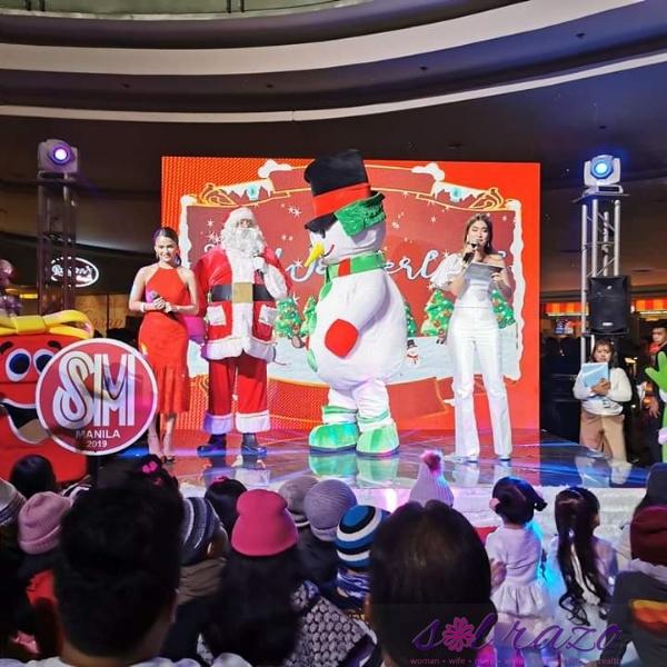 Experience a #SparklingSMallidays at SM City Manila's Icy Wonderland