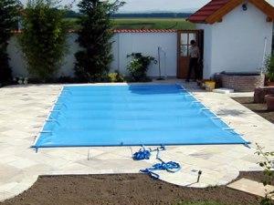 Schwimmbadabdeckung