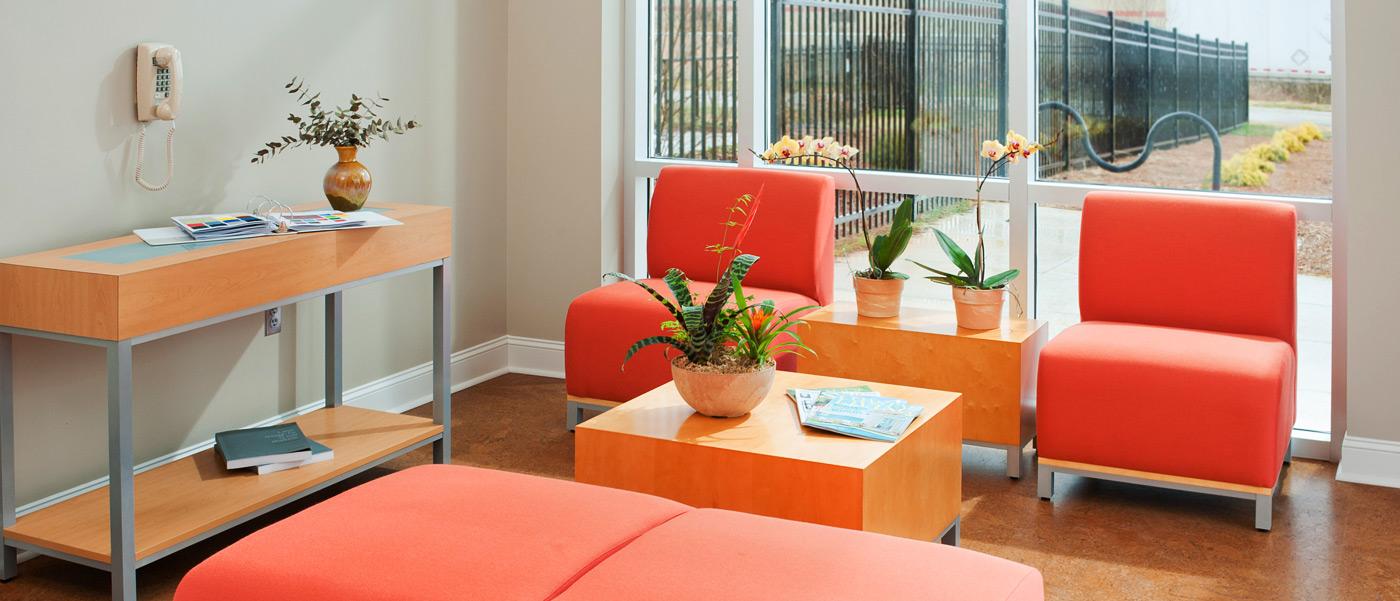 Ayudamos a decorar tu hogar o tu negocio, desde la selección de nuestros productos hasta su instalación final