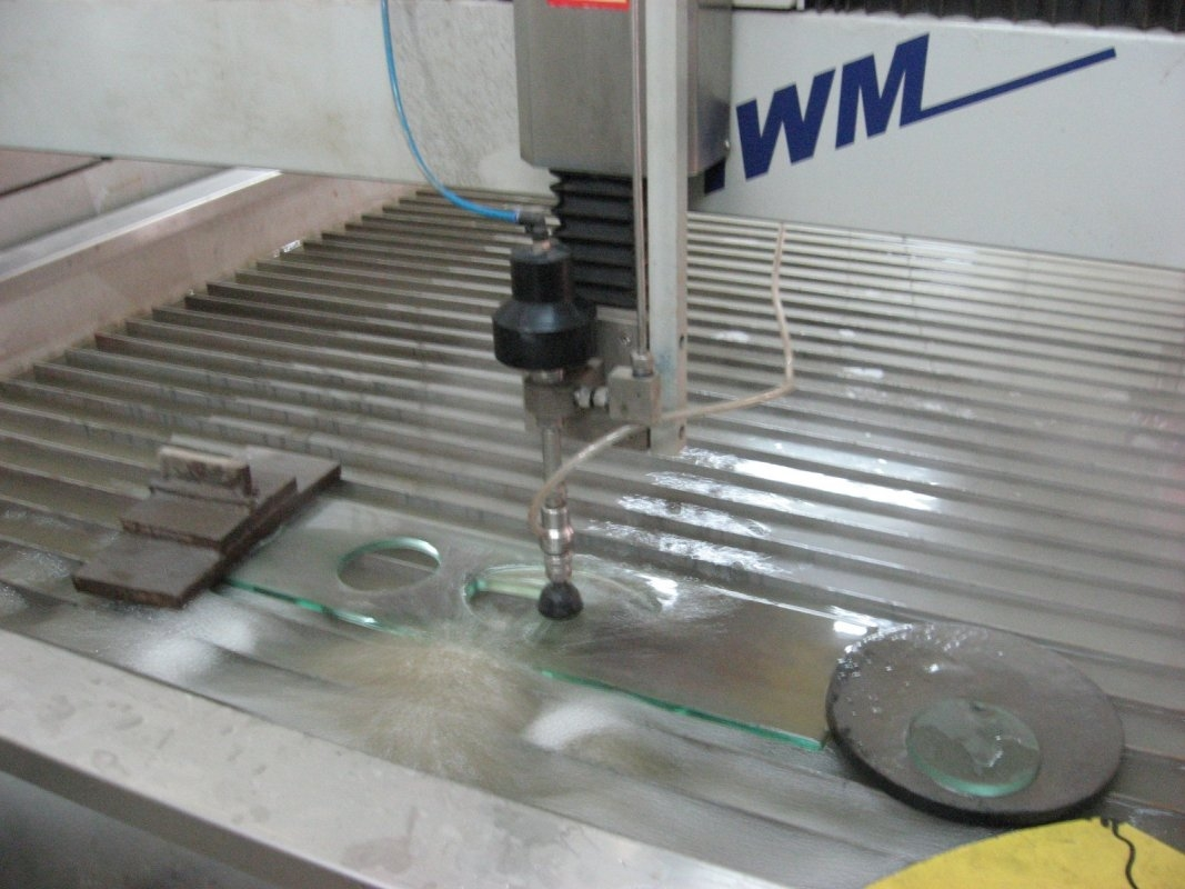 waterjet_cutting_machine