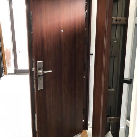 Puerta blindada IV