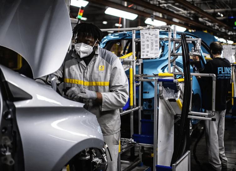 Les tests effectués à l'usine de Douai ont permis de consolider la valeur et les performances de la technologie blockchain pour l'industrie automobile, avec plus d'un million de documents archivés et une vitesse de 500 transactions par seconde.