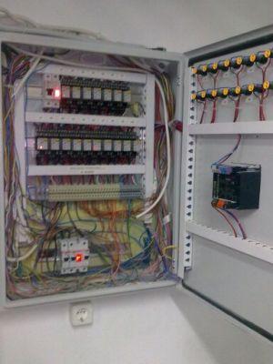Κατασκευή πίνακα αυτοματισμού με αντιστάθμιση Siemens RVA46.531/101