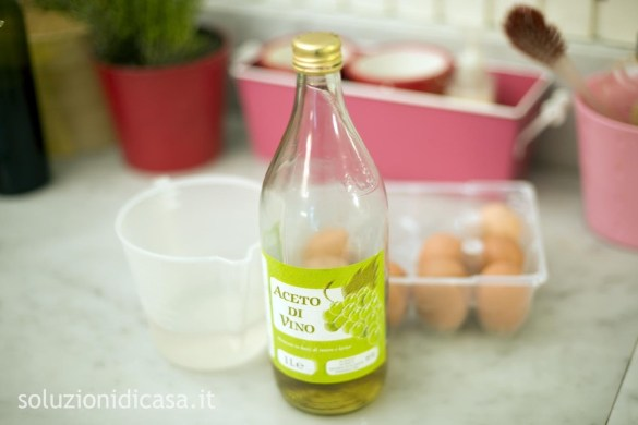 togliere odore di uovo