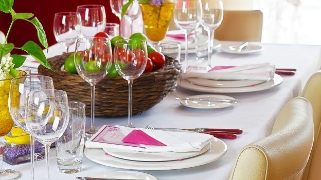 Idee per un party di pasqua tra colleghi soluzioni di casa - Bon ton a tavola regole ...