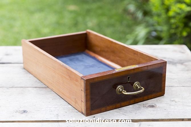 Come togliere la muffa da armadi e cassetti in legno for Eliminare la muffa
