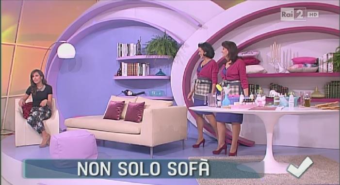 Come pulire il divano in stoffa soluzioni di casa for Divani in stoffa