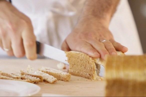 come servire il pane