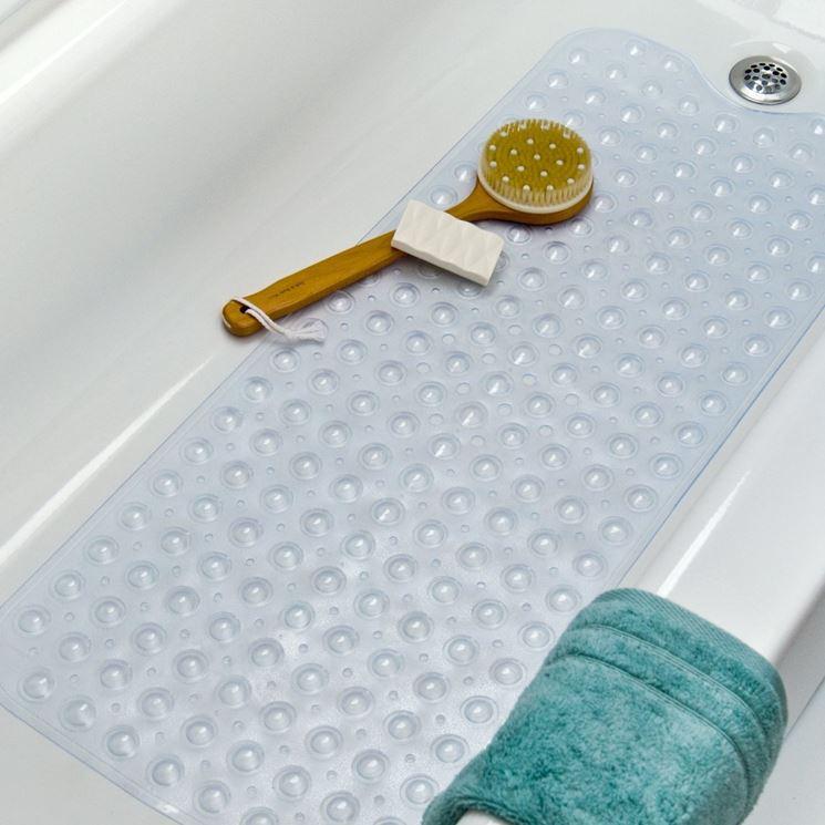 come pulire i tappetini del bagno