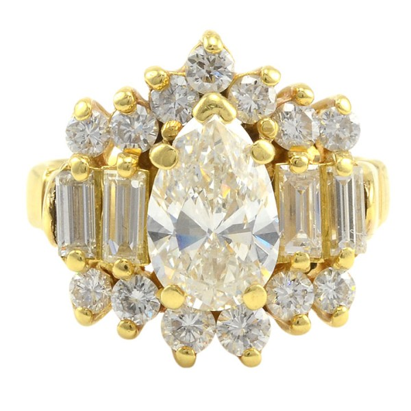 18 Karat Yellow Gold 2.75 CTW Multi Diamond Ring