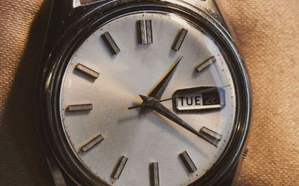 Ways to Spot a Fake Antique Watch