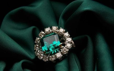 Ways to Style Your Antique and Vintage Jewelry