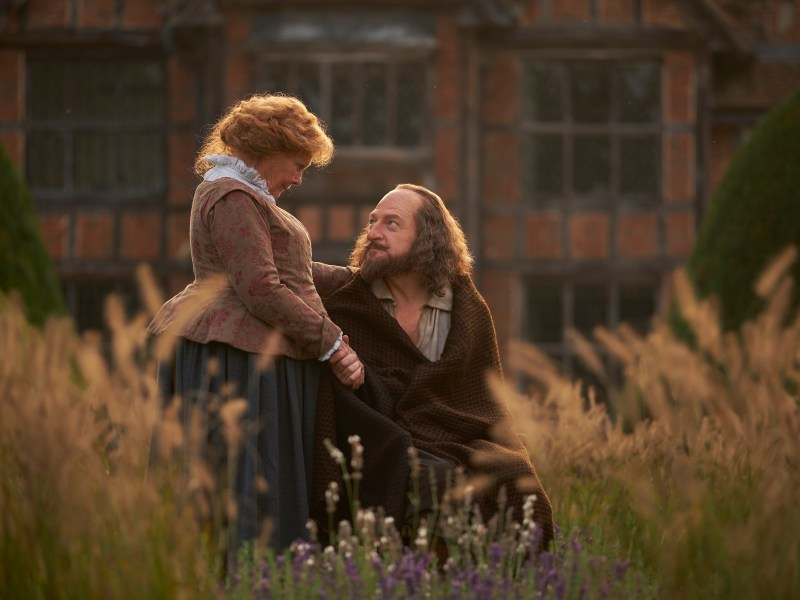 Left to Right: Judi Dench as Anne Hathaway, Kenneth Branagh as William Shakespeare in All is True.