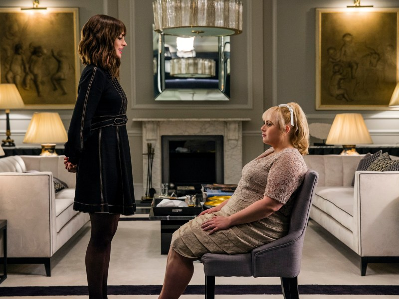 Anne Hathaway stars as Josephine Chesterfield and Rebel Wilson as Penny Rust in THE HUSTLE, a Metro Goldwyn Mayer Pictures film.