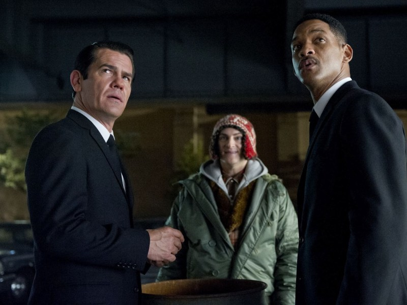 Agent K, Griffin, and Agent J in Men in Black 3.