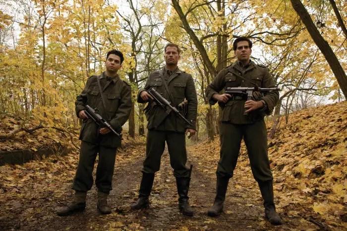 Samm Levine (PFC. Hirschberg), Til Schweiger (Sgt. Hugo Stiglitz) and Eli Roth (Sgt. Donny Donowitz) in INGLOURIOUS BASTERDS.