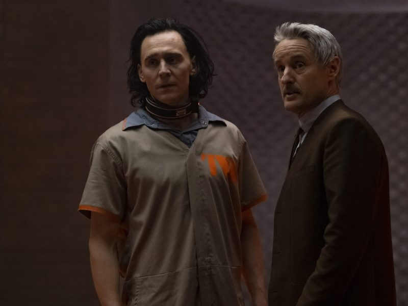 Loki (Tom Hiddleston) and Mobius (Owen Wilson) in Marvel Studios' Loki.