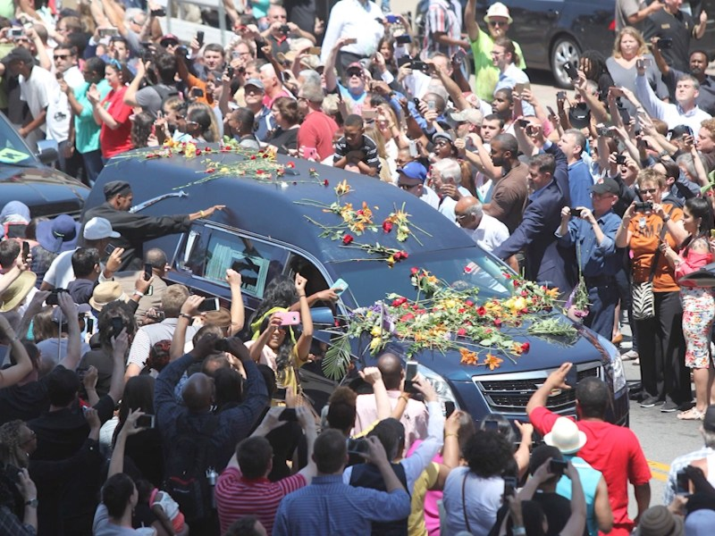 The Hearse goes through the streets in City of Ali.