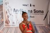 Zahara Tunda,mshindi wa mzunguko wa pili wa Andika na Soma, akitoa neno la shukrani kwa ushindi.