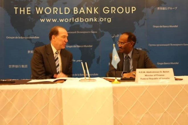Abdirahman D. Beileh, Minister of Finance of the Federal Republic of Somalia with World Bank President David Malpass. Photo credit Twitter