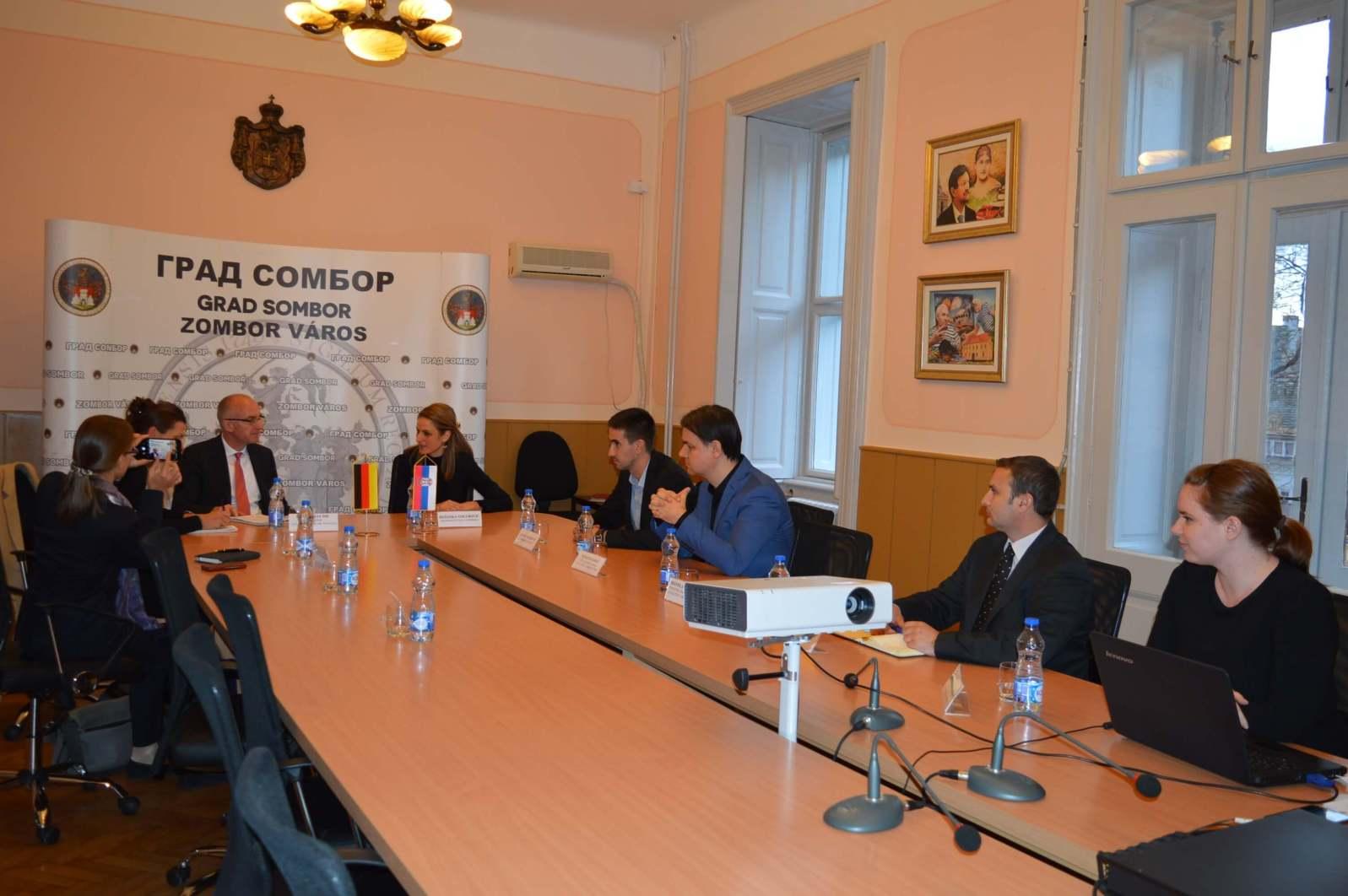 Потпредседник Републичког СУБНОР-а и председник покрајинског СУБНОР-а Светомир Атанацковић