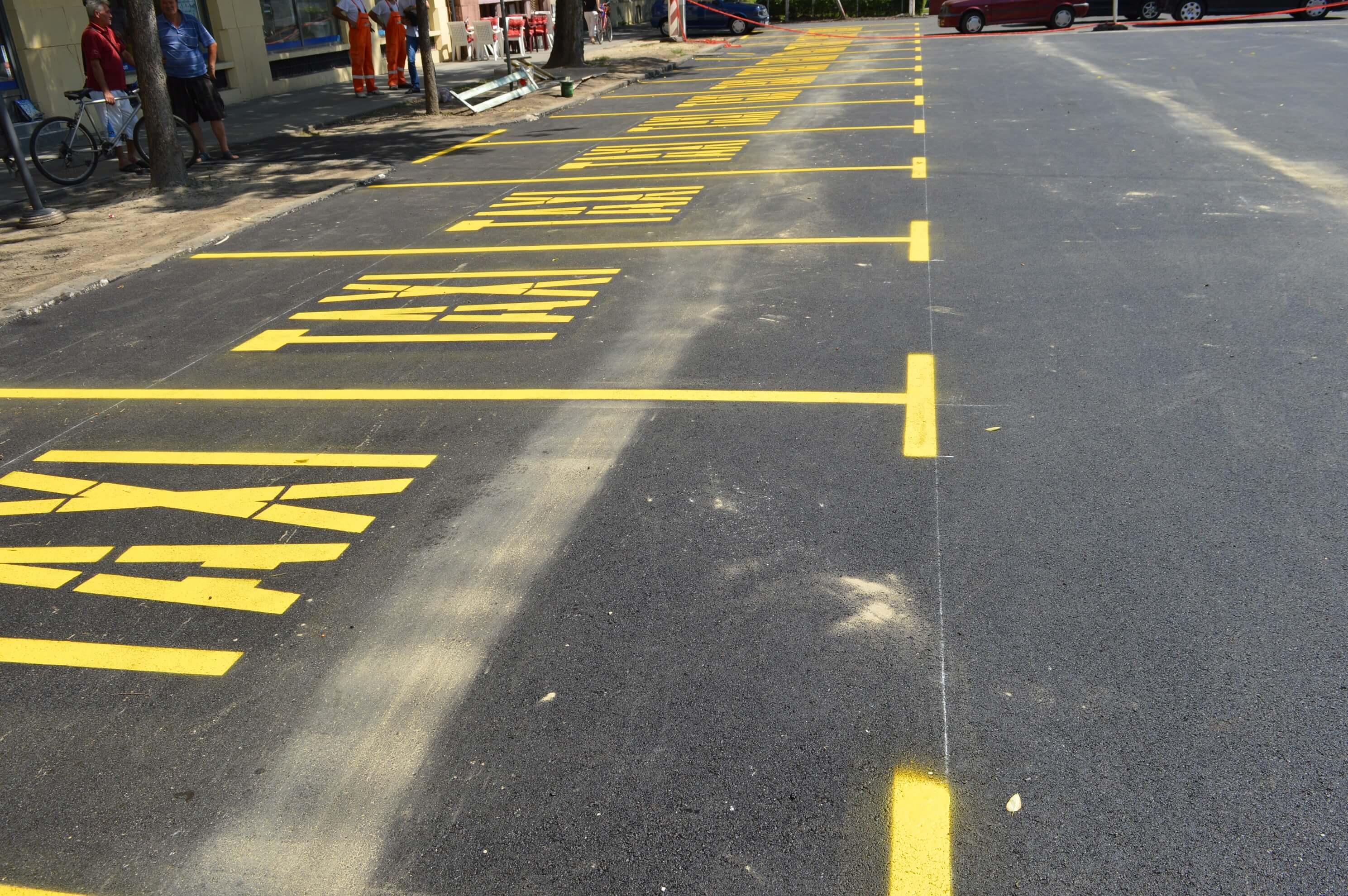 Паркинг код Вајдингера има 13 места за такси возила