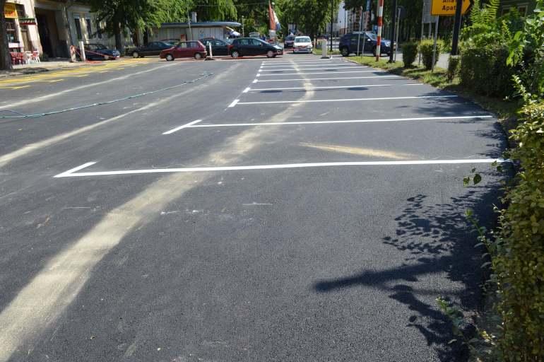 11 паркинг места за грађане на реконструисаном паркингу