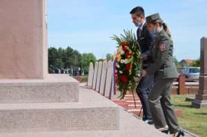 Одавање почасти борцима Црвеноармејске  војске