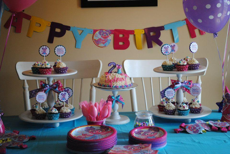 Sesame Street Zoe Birthday Smash Cake and Cupcakes with picks