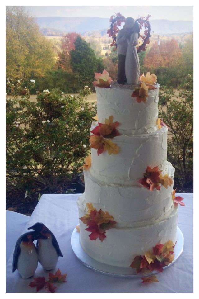 Colonial Estates Fall Stucco Wedding Cake