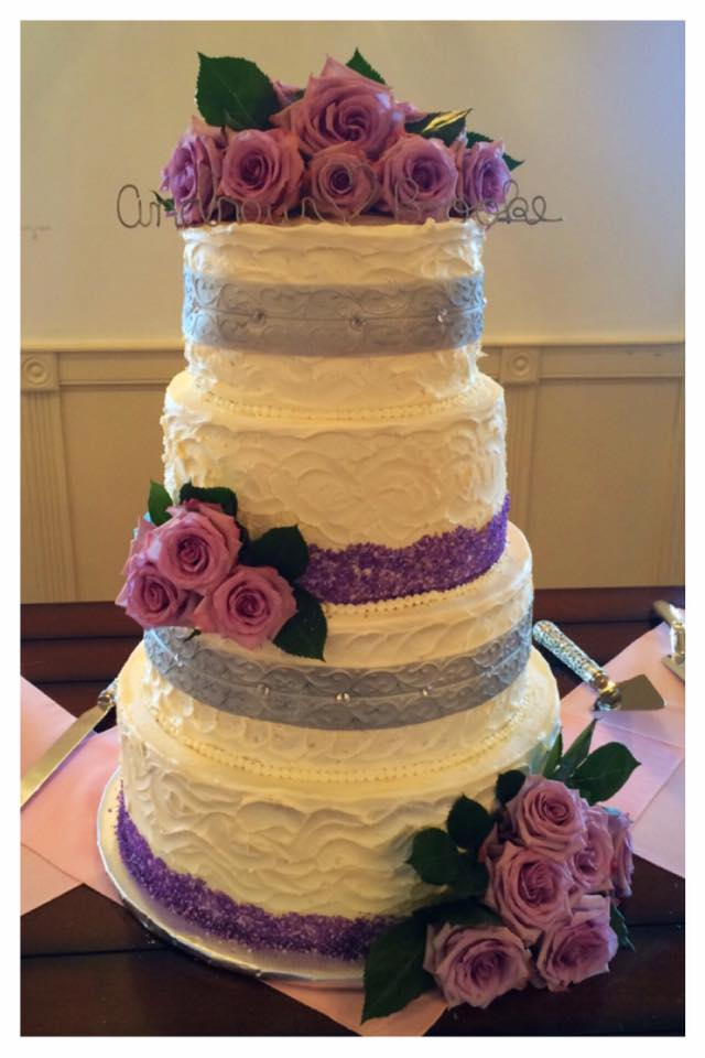 Gorgeous 4 Tiered Wedding Cake at Royal Oaks