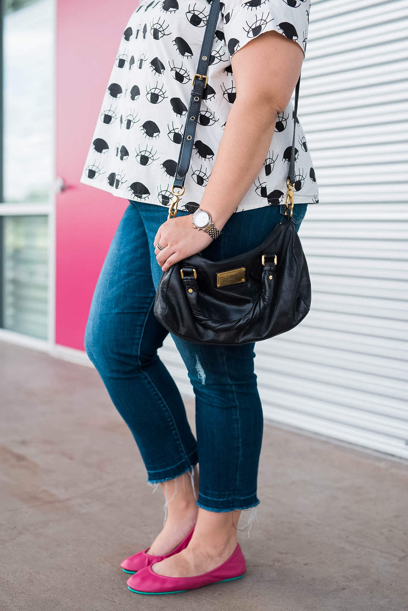 A Marc by Marc Jacobs black purse is a great accessory for afternoon errands. | Something Gold, Something Blue fashion blog by Emily Bastedo