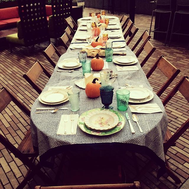 Our awesome client @ktek105 held an @feedprojects supper for her birthday in lieu of gifts—all to raise money for meals for children and families around the world. How awesome is that?!? #vintagerentals #vintagechina #giveback #dogood #dc #acreativedc