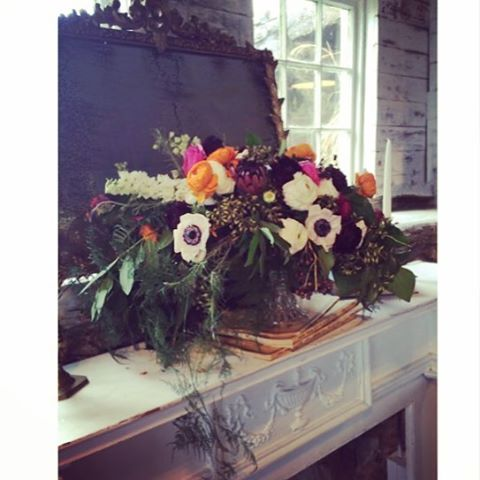 Mirror, mirror on the wall….my very first floral design, y'all! #vintagerentals #vintage #weddings #eventstyling #weddingflorist #weddinginspo  #weddings #wedding #dcwedding #flowers #vintageweddings #farmwedding #virginia wedding #floraldesign  #flowers #weddinginspiration #eventdecor #acreativedc #barnwedding #vineyardwedding #weddingphotos #loudoun