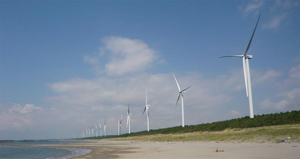 秋田県潟上市天王の風力発電