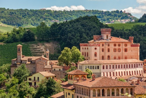 Where in Italy is Barolo Wine Made? Barolo Wine Region - Matt Deller | SommelierQA.com