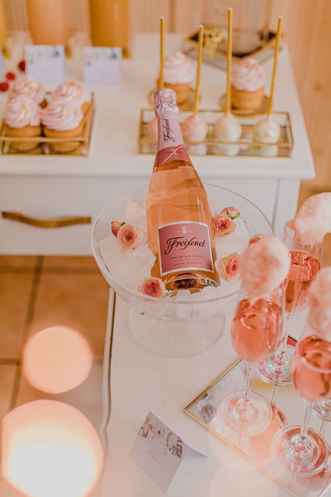 Kombination Bubbly- und Candybar – Styled Shoot Bridal Shower