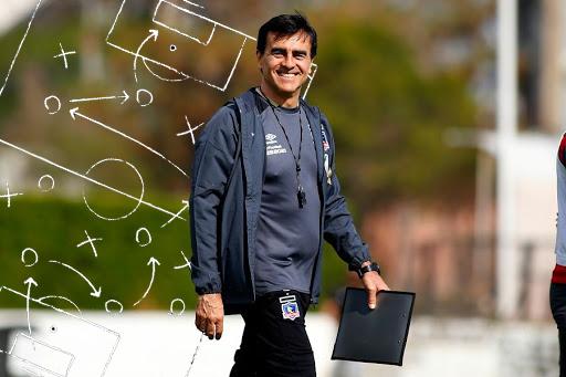 Las variantes que tendrá Gustavo Quinteros para el Colo Colo versión 2021