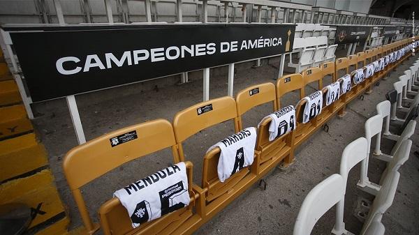Homenaje a los campeones de 1991. Foto Colo Colo
