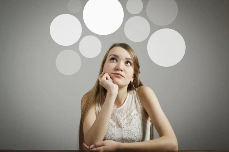 mujer con problemas de concentracion