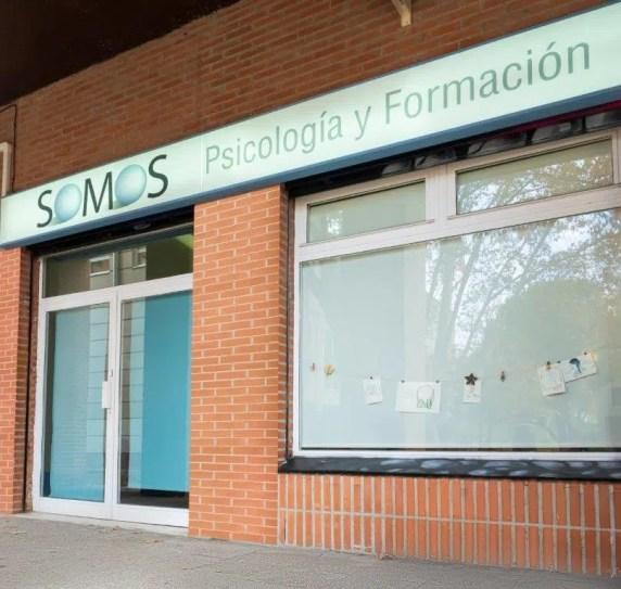 Psicólogo San Blas - Somos Psicología y Formación. Fachada 1