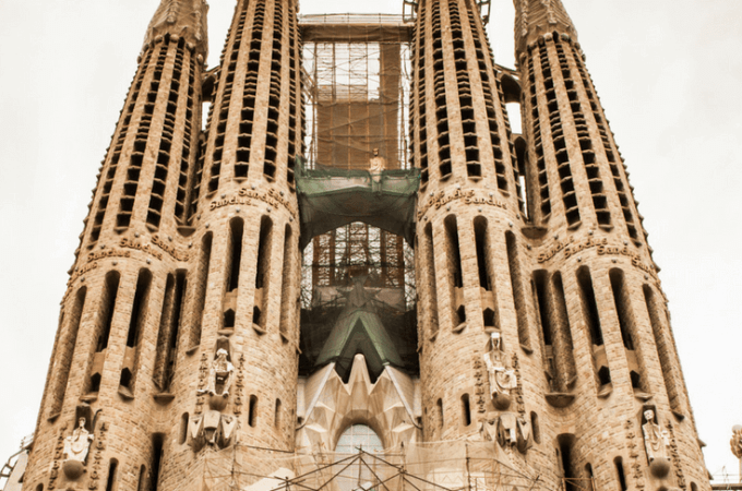 Don't Make These 5 Mistakes When Visiting La Sagrada Familia - Travel tips for Barcelona