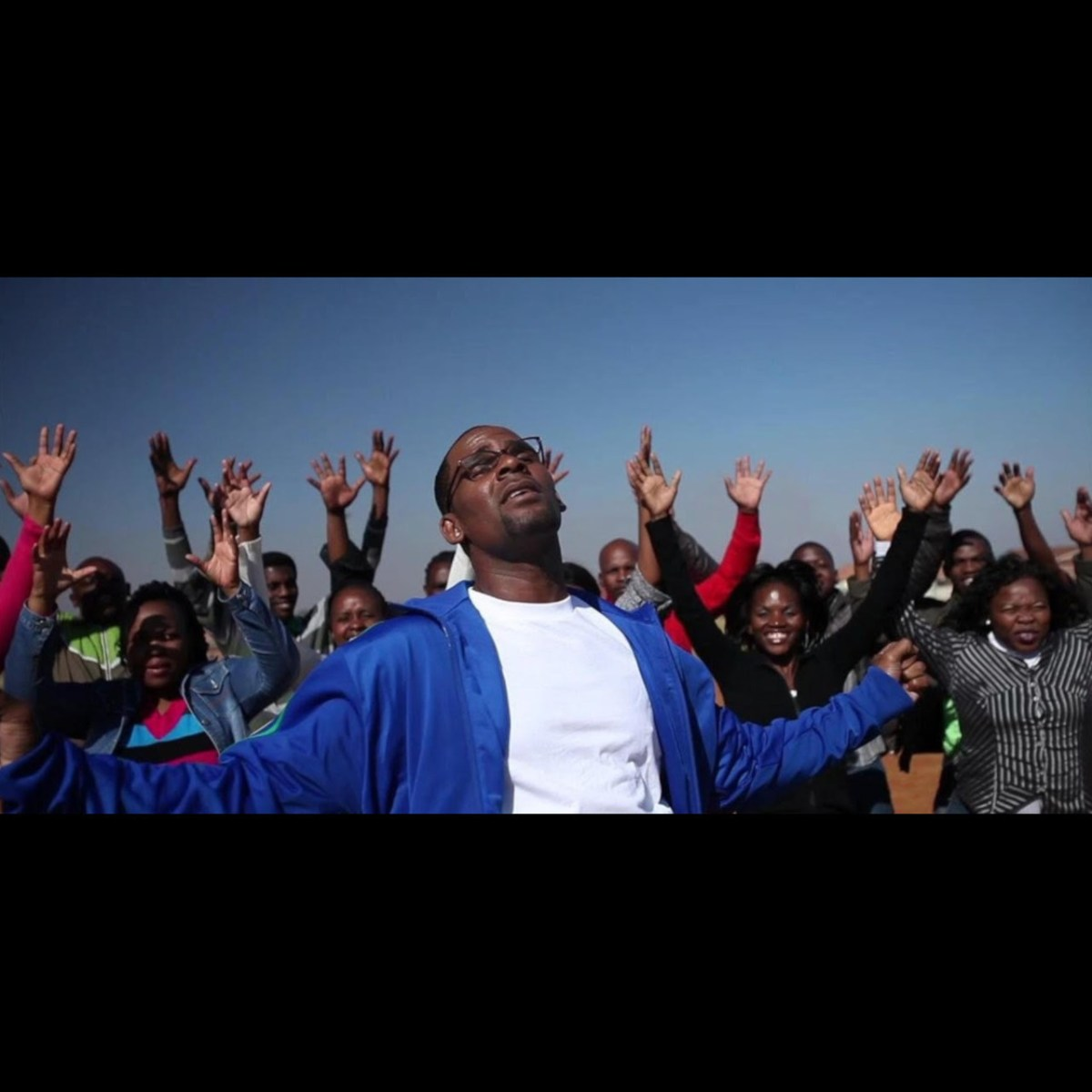 R. Kelly - Sign Of A Victory (ft. Soweto Spiritual Singers) (Thumbnail)