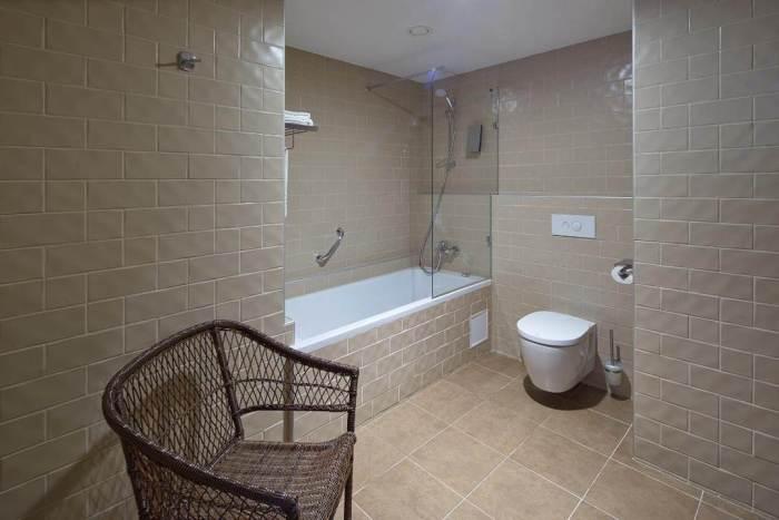 Wellton Centrum Hotel & SPA - SONEL santehnikas salons, santehnikas atlase. IDEAL STANDARD -klozetpodi, izlietnes, pisuāri, maisītāji, vannas
