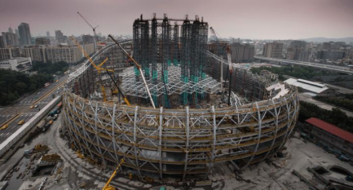 大巨蛋球場復工遙遙無期